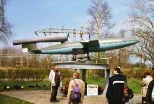 """Eine Fieseler 103 Flügelbombe, bekannt als """"V1"""""""